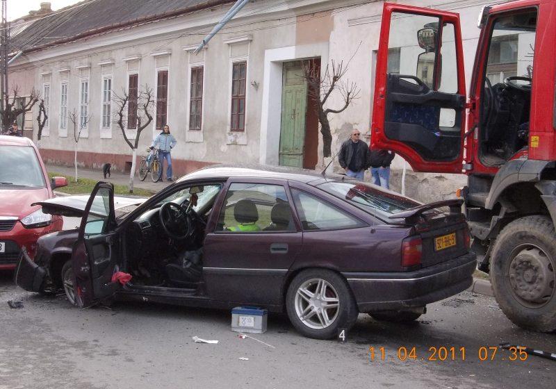 Accident rutier provocat de un poliţist