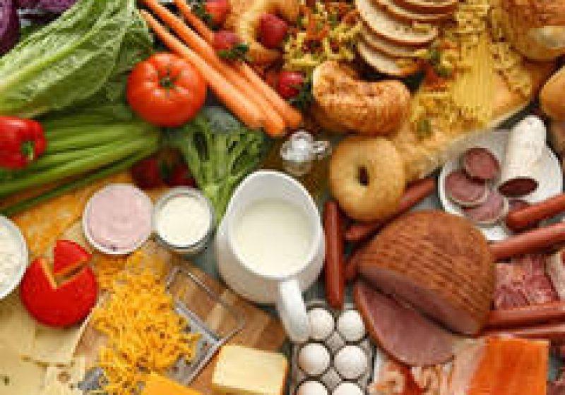 Alimente expirate în magazinele sighetene