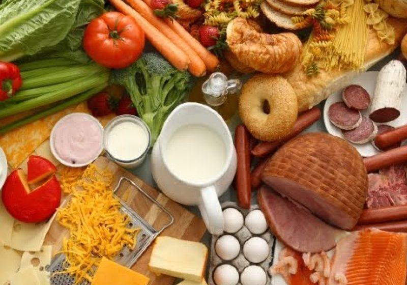 Cartofii, conservele, fructele şi zahărul s-au scumpit cel mai mult în primul trimestru din 2011