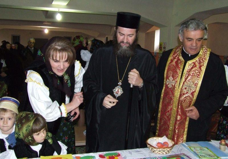 Lucrările micuţilor expuse în catedrală