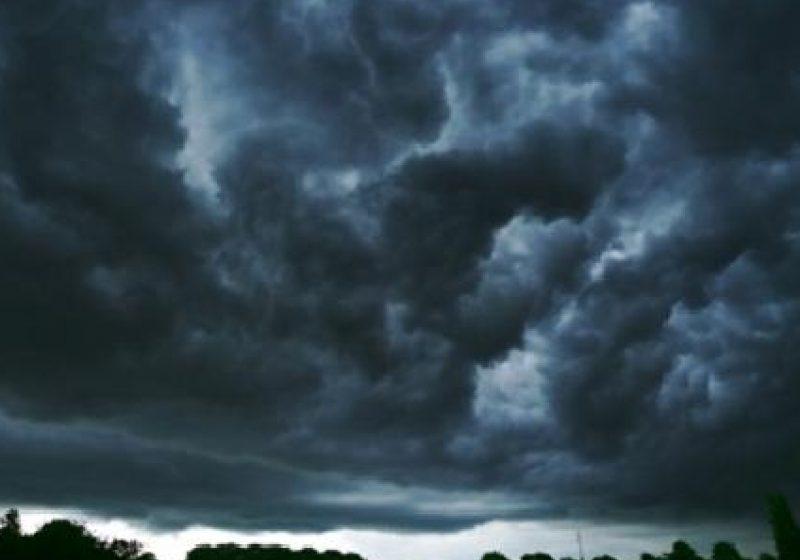 Ploi însemnate cantitativ şi intensificări ale vântului în toată ţara pe 1 şi 2 mai
