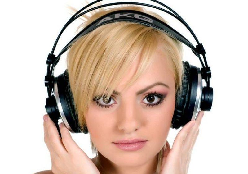 O româncă face senzaţie în muzică. Cine i-a depăşit pe Rihanna şi David Guetta în topurile din Europa?