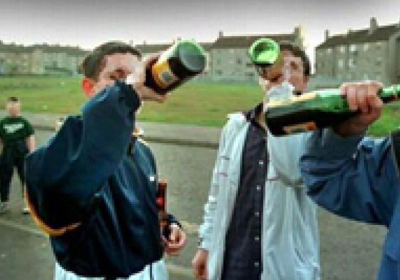 Tinerilor care beau alcool în mod regulat le este afectată capacitatea de memorare