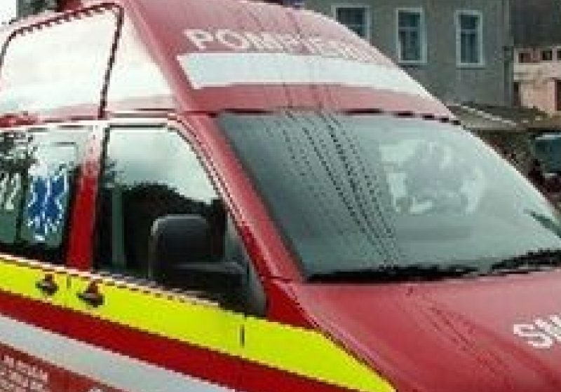 Un băieţel de 2 ani a fost accidentat de un autoturism în timp ce se juca în parc