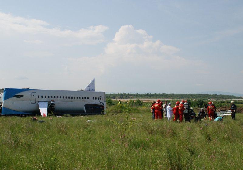Echipe speciale de interventie din Baia Mare participă la un exerciţiu fără precedent de gestionare a unei catastrofe aviatice