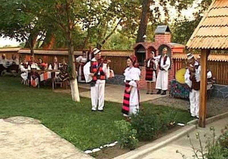 """Invitaţii de azi la emisiunea """"Dor Moroşan"""""""