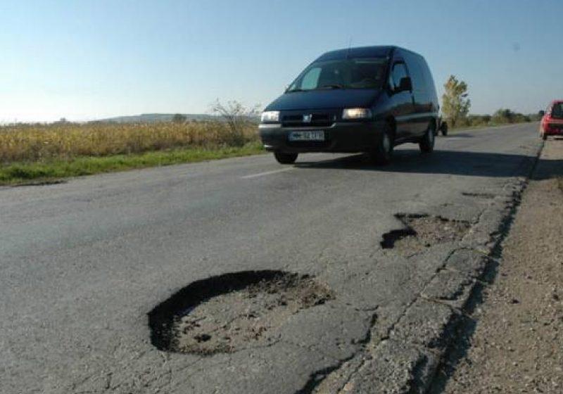 Consilierii băimăreni au aprobat Programul de lucrări pentru întreţinerea şi repararea drumurilor judeţene pe acest an
