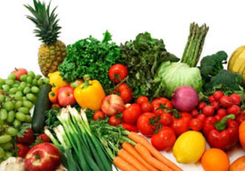 Evaziune fiscală de 10 000 de lei pentru comerţ ilicit cu legume şi fructe