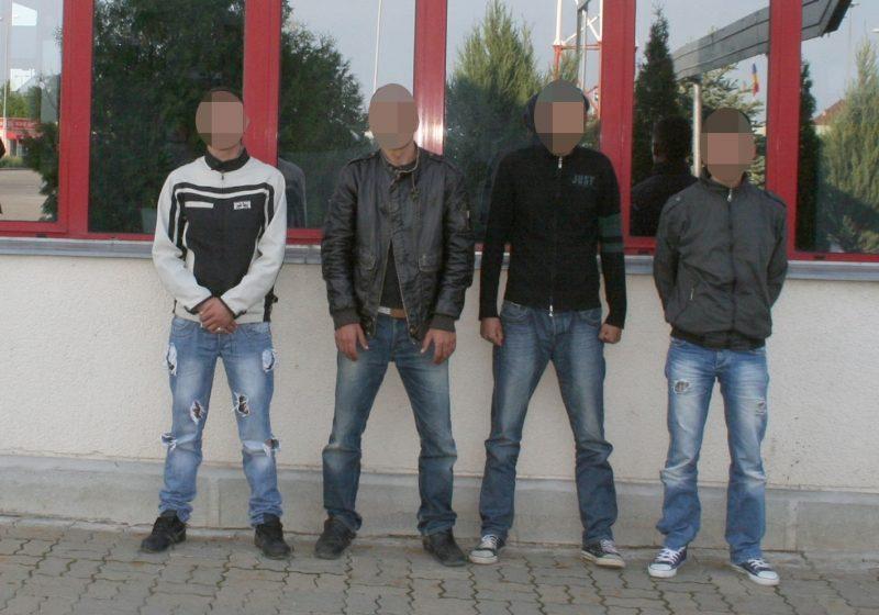 Patru migranți reținuți la frontiera cu Ungaria