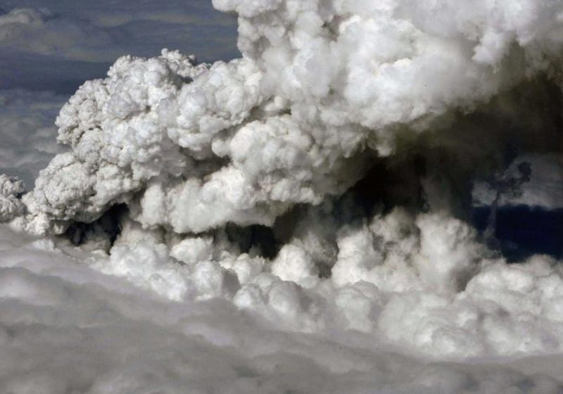 Norul de cenuşă vulcanică afectează în continuare traficul aerian