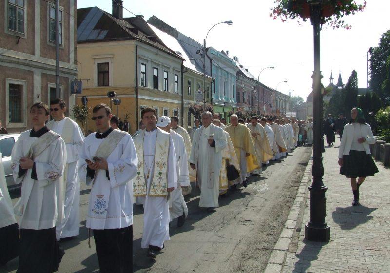 2000 de pelerini sosiţi la Sighet