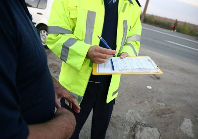22 de sancţiuni contravenţionale la regimul circulaţiei rutiere acordate într-o zi
