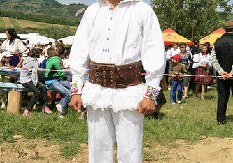 """Primăria Cupşeni  organizează la sfârşitul săptămânii """" Sărbătoarea portului popular """" cea de- a şaptea ediţie"""