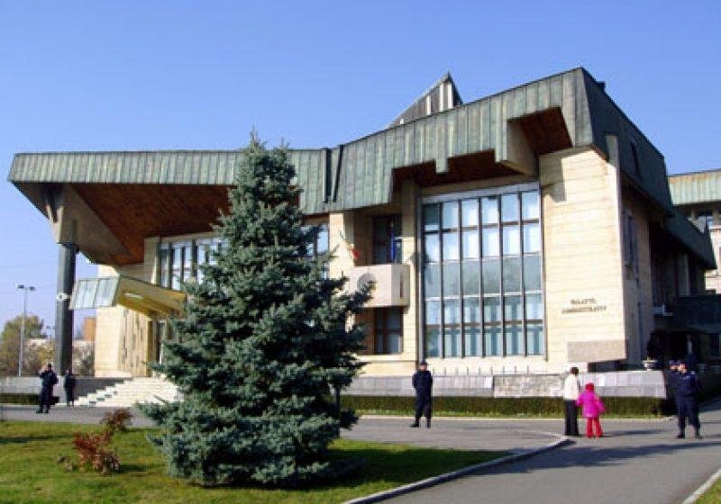 Prefectura Maramureş consultă cetăţenii cu privire la calitatea servicliilor Instituţiei Prefectului