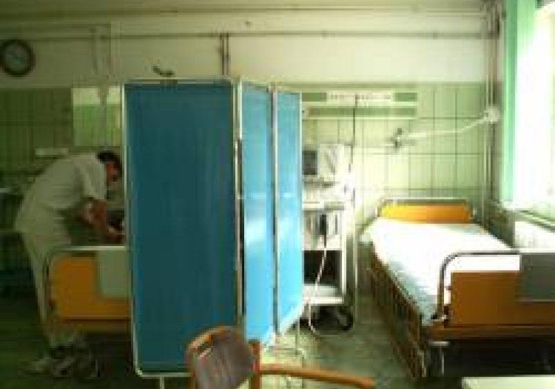O pacientă acuză medicul de gardă din Urgenţă Spitalului Sighet că a i-a cerut externarea în miez de noapte