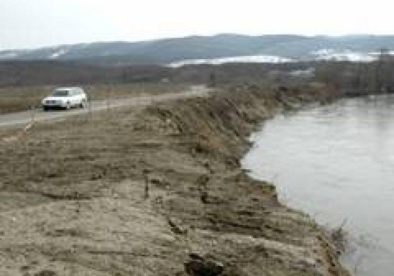 150.000 de euro necesari pentru lucrări de urgenţă în vederea consolidării alunecării de teren de la Chelinţa