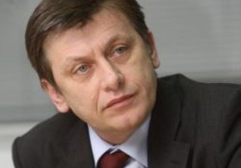 Candidatul USL la prezidenţiale ar putea fi şi un social-democrat, spune Crin Antonescu