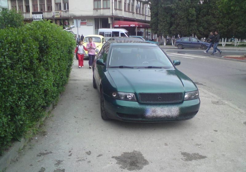 Dacă n-avem parcări.. avem trotuare 2