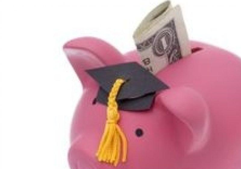 Dintr-un milion de studenţi români doar 0,43% au mers cu o bursă în străinătate în 2010