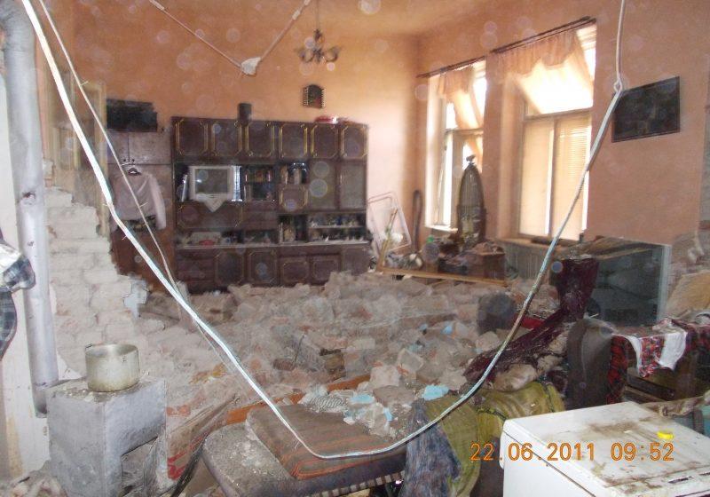 Sighetul Marmaţiei: Explozie puternică de la o acumulare de gaze pe strada Iuliu Maniu: o victimă şi o clădire distrusă complet