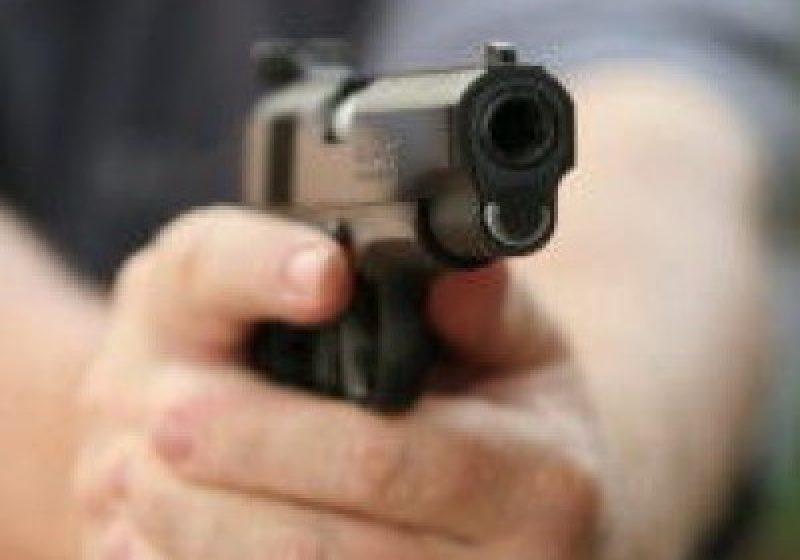8 focuri de armă pentru prinderea unor  infractori la Vama de la Sarasău