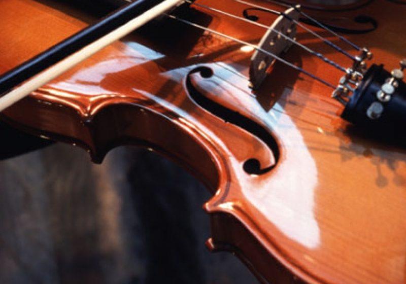 """Premiu de excelenţă la concursul de interpretare instrumentală """"Muzica…aproape de tine""""- o excursie la Bruxelles"""
