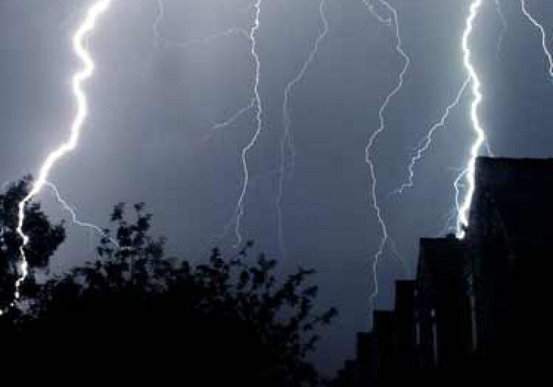 COD GALBEN: Se anunţă precipitaţii torenţiale, vijelii, descărcări electrice şi o răcire accentuată a vremii în Maramureş