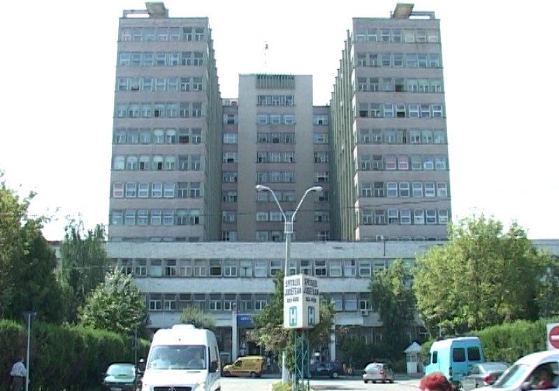 Baia Mare: Inghesuiala la Sectia Primire-Urgenta a Spitalului Judetean