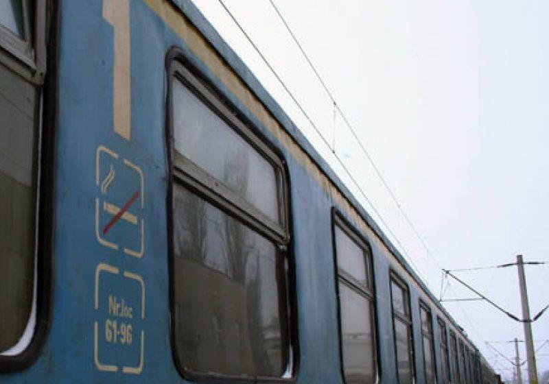 Trenul accelerat Bucureşti- Sighetu Marmaţiei a fost blocat în Valea Prahovei pentru câteva ore