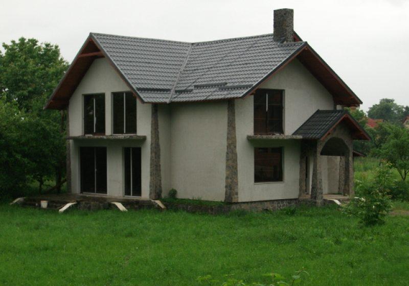 Vând casă lângă Marmaţia