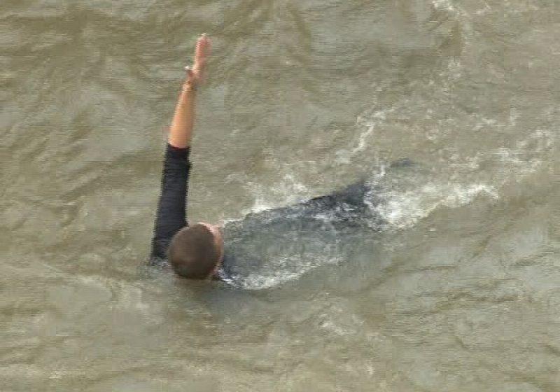 Lapusel: Un tanar de 28 de ani a scapat cu viata dupa ce s-a aruncat in rau de pe podul de la intrarea in localitatea Lapusel