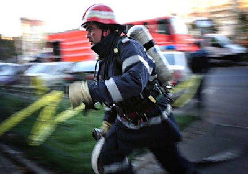 Baia Mare: Barbat paralizat salvat de pompieri