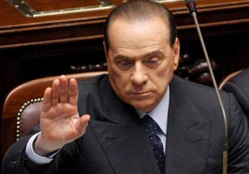 Berlusconi trebuie să plătească daune de 560 de milioane de euro