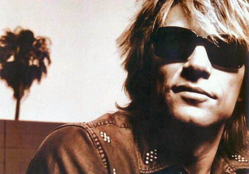 """Bon Jovi a cântat hiturile, iar fanii i-au cântat """"La mulţi ani! """" lui Sambora, la Bucureşti"""