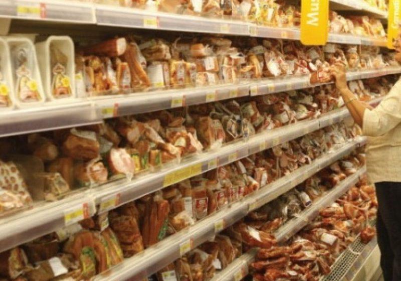 Coş de solidaritate pentru pensionari: Produsele alimentare de bază, vândute la cel mai scăzut preţ posibil