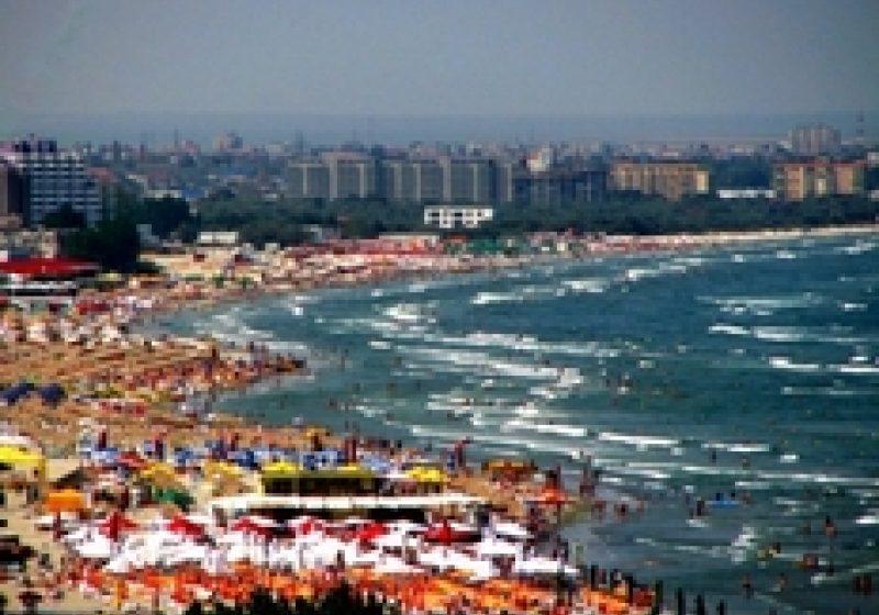 Hotelierii de la mare reclamă zgomotul din staţiuni şi controalele. Unii vor să se mute în Bulgaria