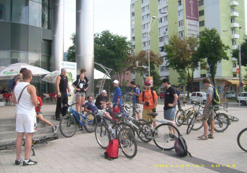 Baia Mare: 40 de voluntari au pedalat pentru un judet mai curat