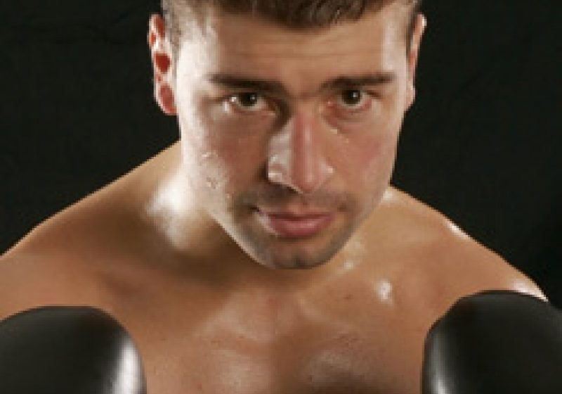 Lucian Bute l-a învins pe Mendy prin KO şi şi-a păstrat titlul mondial IBF