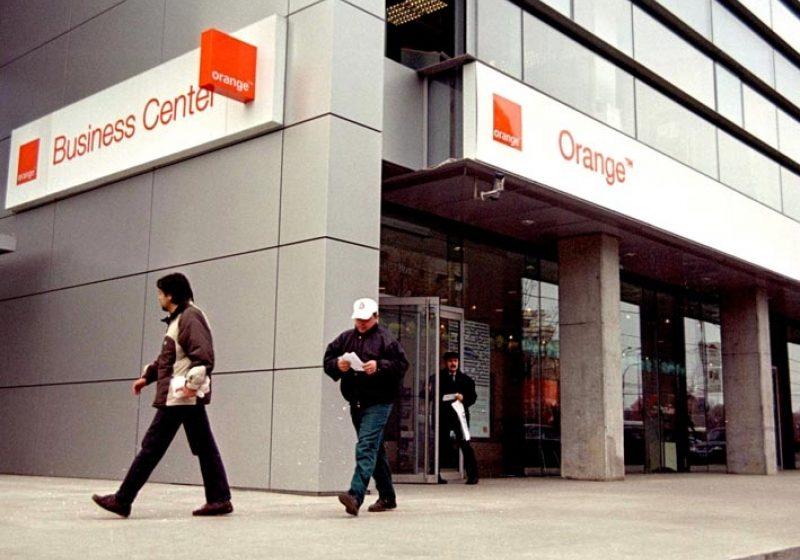 Orange recrutează studenţi pentru programele de dezvoltare a reţelei