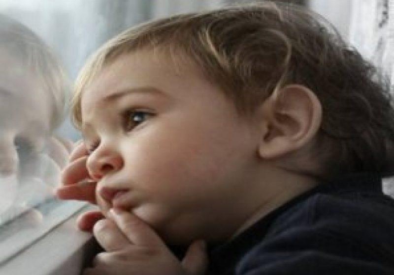 Peste 400 de copii abandonaţi în maternităţi şi alte unităţi sanitare până în luna martie