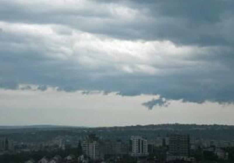 Meteorologii prognozează ploi torenţiale şi vijelii în Maramureş