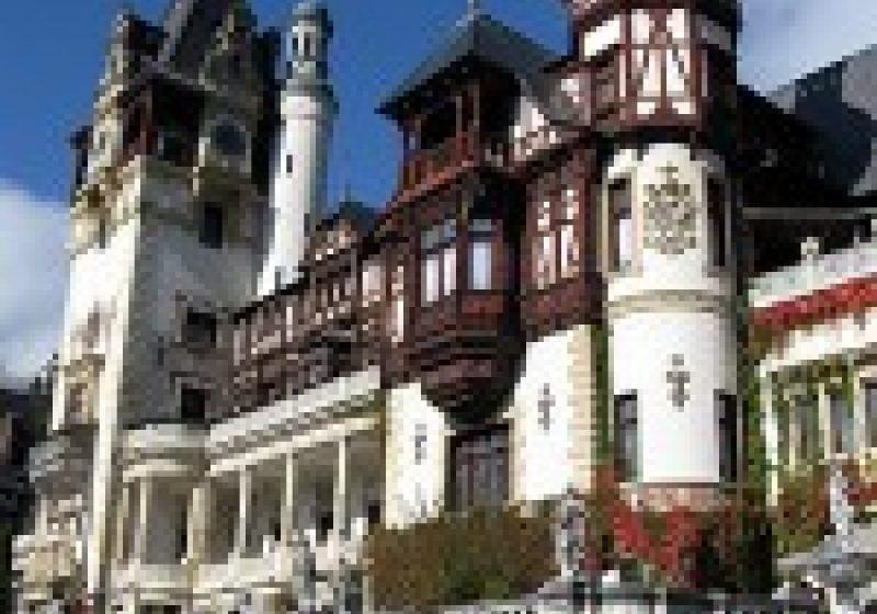 Prahova: Tur virtual al castelelor Peleş şi Pelişor
