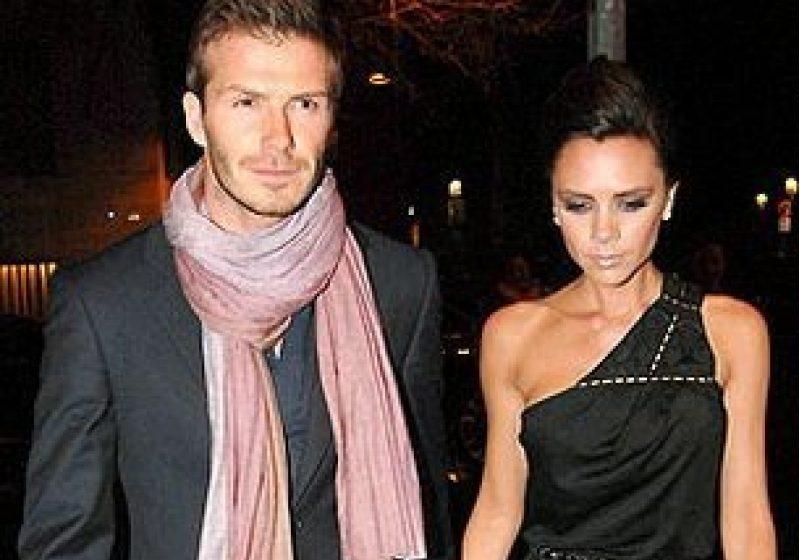 Soţii Beckham donează familiilor sărace darurile primite la naşterea micuţei lor Harper