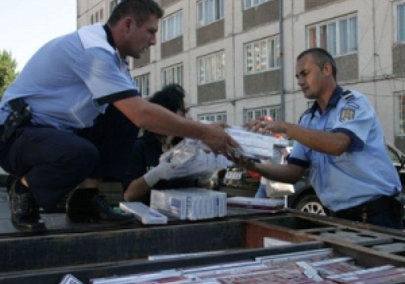 20 000 de ţigarete confiscate de poliţişti în urma unor percheziţii efectuate la câteva adrese din Vişeu de Sus, Seini şi Vişeu de Jos