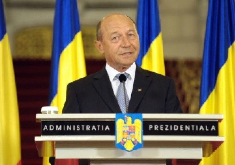 Băsescu: Sunt prea mulţi bugetari. Trebuie redus numărul lor