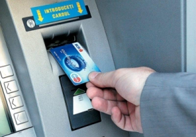 BCR întrerupe pentru două ore sistemul informatic destinat cardurilor, în noaptea de sâmbătă spre duminică