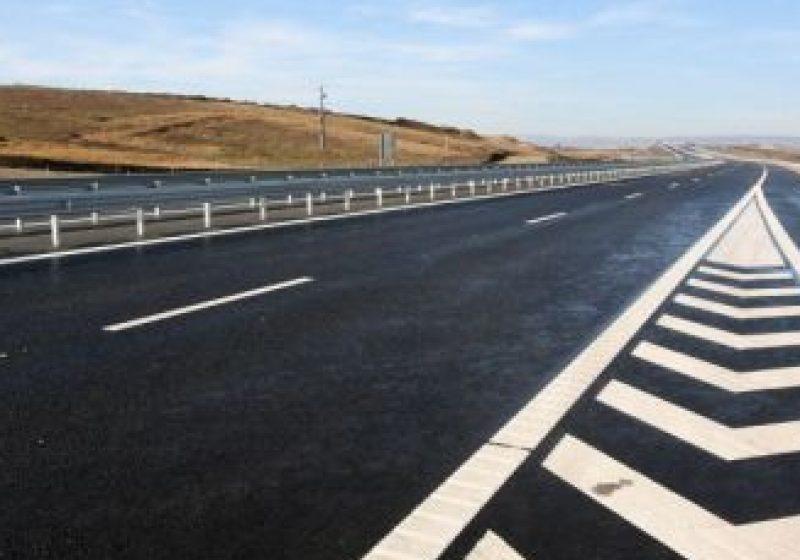 Costul autostrăzii Transilvania scade cu 50%. Bechtel rămâne pe două tronsoane, restul sunt licitate