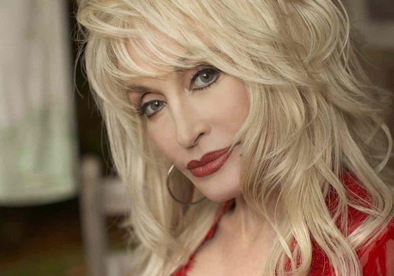Dolly Parton vrea să moară pe scenă