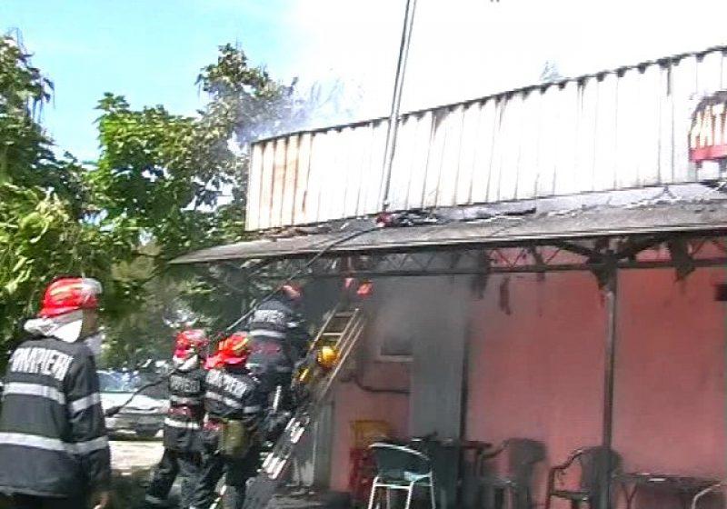 Baia Mare: Plăcintăria din faţa spitalului judeţean a luat foc