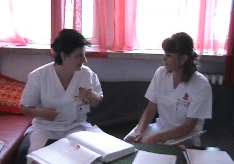 Baia Mare: Cadrele medicale băimărene au primit primele uniforme noi, după mai bine de 20 de ani